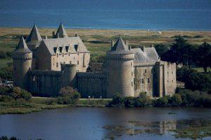 Séjour pas cher en Bretagne proche plage Golfe du Morbihan Château de Sarzeau